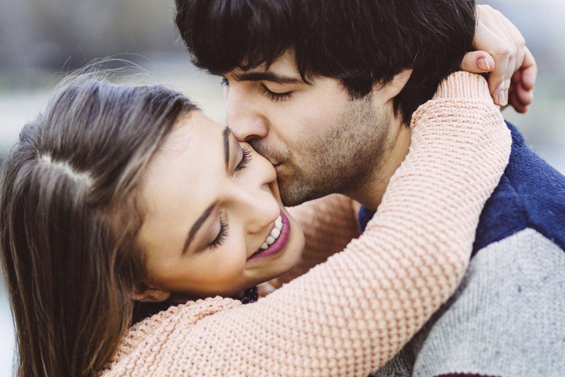 Wo und wie werden Frauen am liebsten geküsst